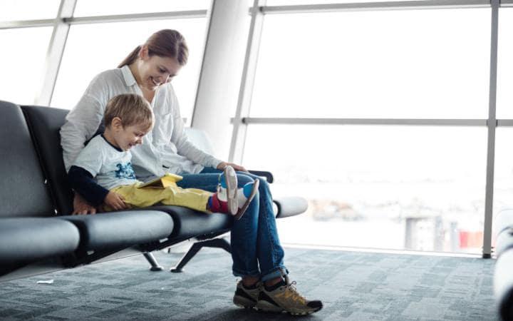 Çocuklu Aileler İçin Güvenli Uçuş Rehberi