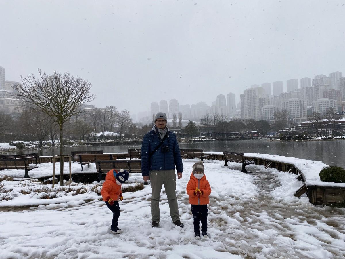 İstanbul'a kar yağdı, biz de tadını çıkarmaya çalıştık